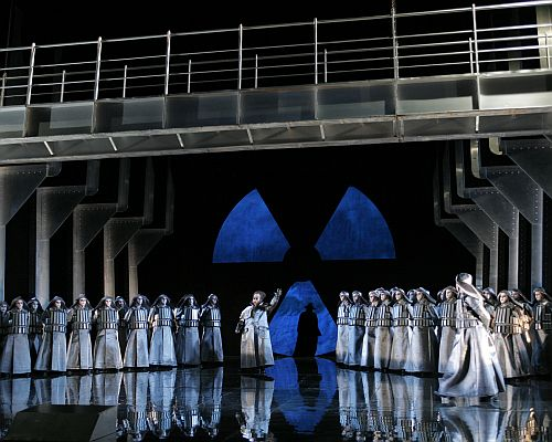 An Entertaining but Perplexing Staging of The Flying Dutchman An Entertaining but Perplexing Staging of The Flying Dutchman