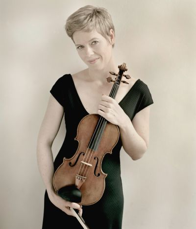 Isabelle Faust: Photo: Felix Broede