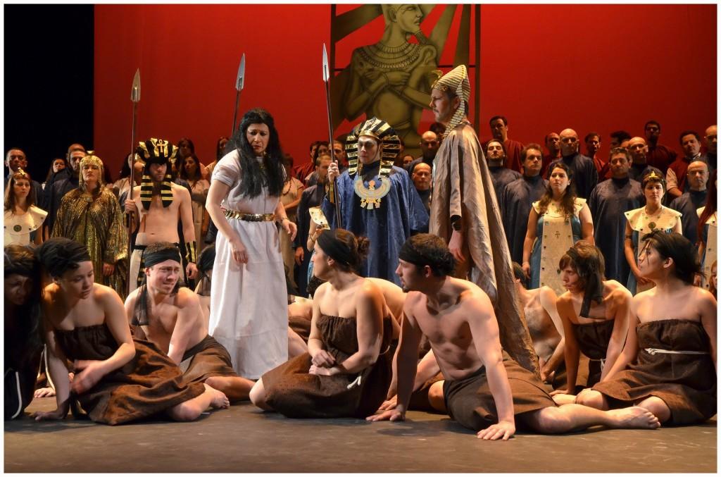 Aida:Teatro Avenida, Buenos Aires.