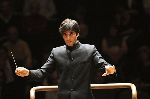 Conductor: David Afkham  Photo: Chris Christodoulou