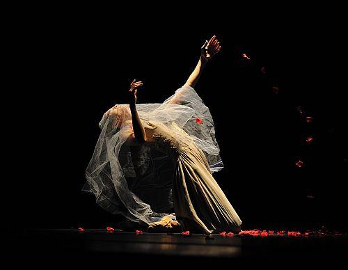 Shanghai Ballet's Fan Xiaofeng as Bertha Mason in Jane Eyre photo by Zhao Lu.